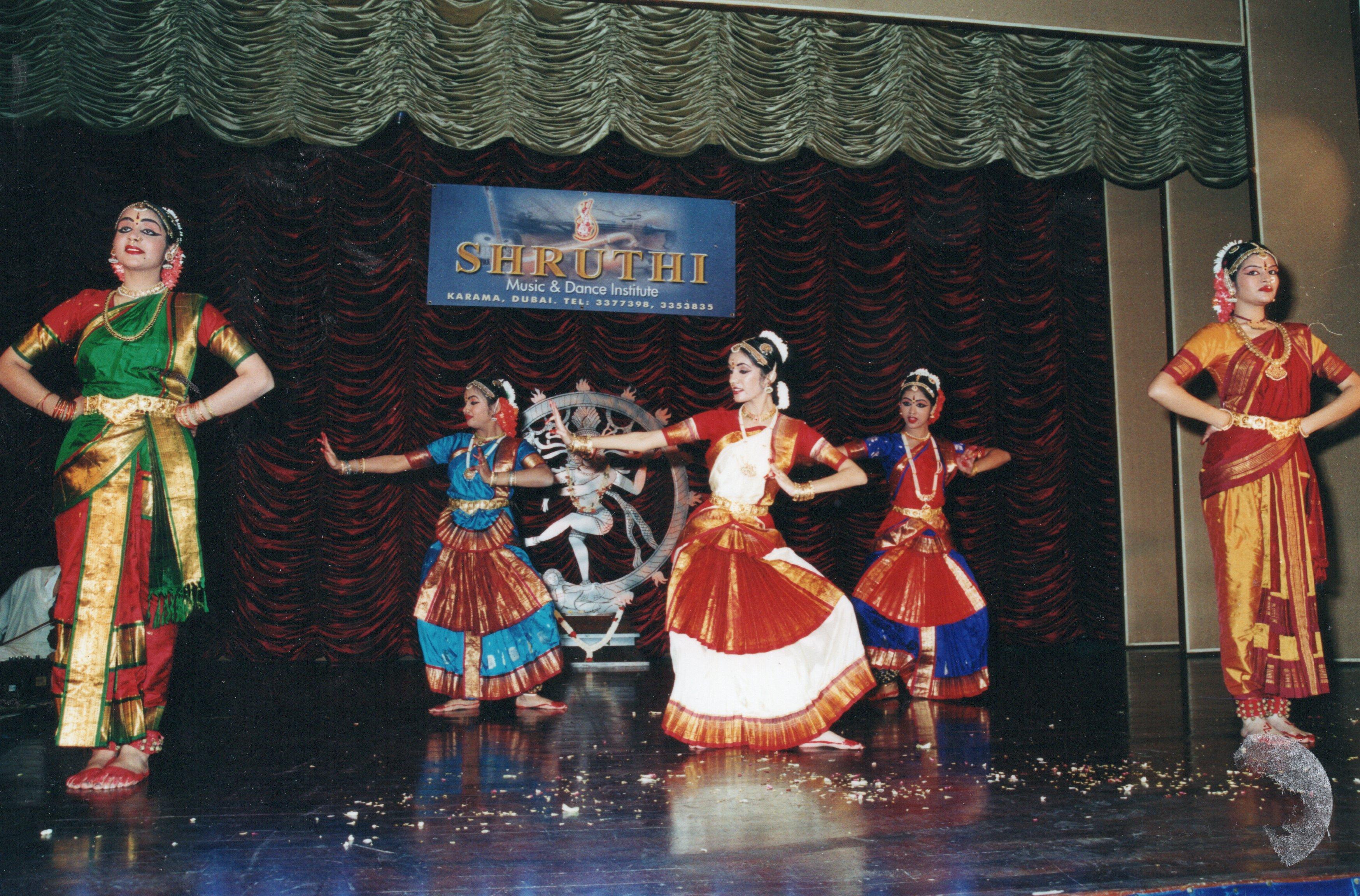classical-dance-4
